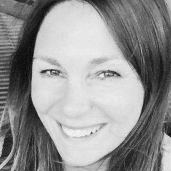Headshot of Laura Davey